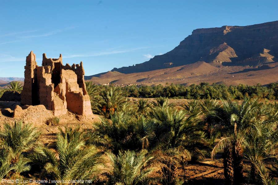Route_de_Ouarzazate_a_Zagora__kasbah_en_ruine_net