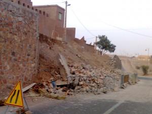 Mur-Amezrou-Rue-Zagora-Mhamid (1)