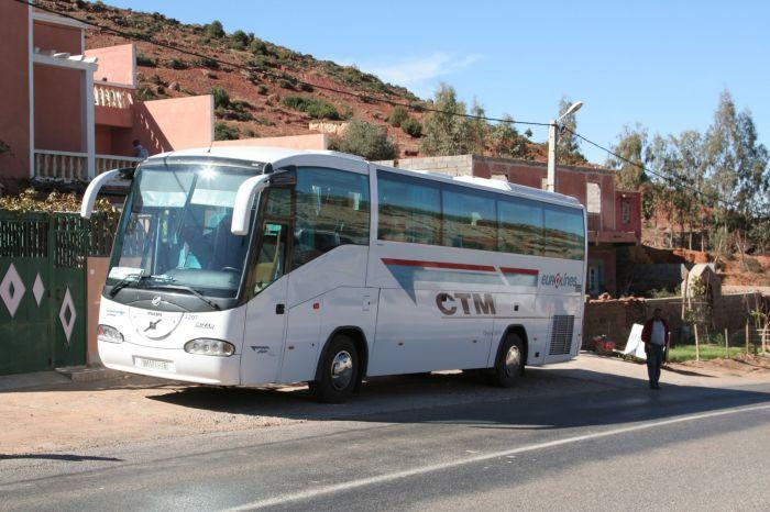 حريق بعجلة لحافلة CTM يؤجل رحلتها من امحاميد الغزلان إلى مراكش