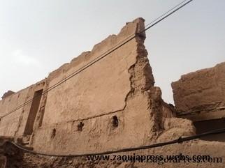 تمكَروت : بنايات آيلة للسقوط على رؤوس السياح و الساكنة