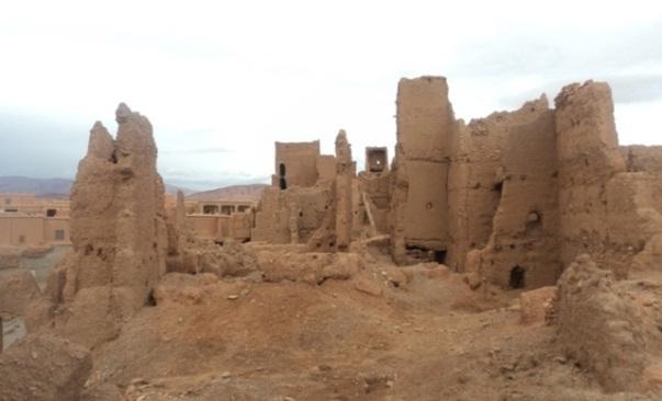البناء الطيني بالجنوب الشرقي المغربي: قصبات وقصور بومالن دادس نموذجا