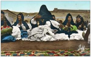 """العرس الصحراوي  """"نموذج اعوينة أيتوسى"""" – Moufida Skih"""