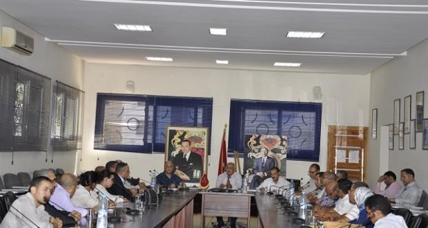 إجتماع مدير أكاديمية سوس ماسة درعة مع أعضاء المكتب الجهوي للجامعة الوطنية للتعليم