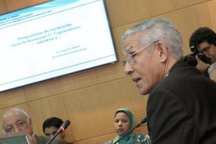 الرباط: التوقيع على اتفاقين إطاريين لتكوين 10 آلاف إطار تربوي في أفق 2016