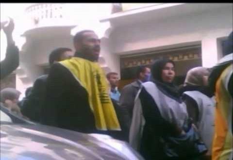 المعطلون يردون على بنكيران و يرشقون البرلمان بالبيض الفاسد