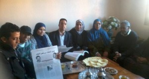 """نشطاء وباحثون أمازيغ في زيارة خاصة لعائلة عملاق التحرير""""عباس المسعدي"""""""