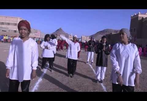 استعراض أثناء افتتاح دوري كرة القدم فتيان بزاكورة