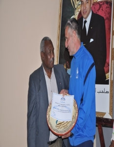 تكريم السيد اللاعب السابق  الأستاذ محمد السيوطي