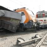 حادثة خروج قطار عن سكته تودي بحياة متعاون وجرح 32 آخرين