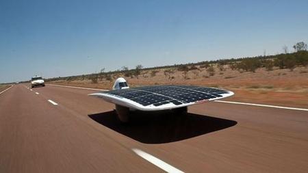 كلية العلوم والتقنيات بمراكش تحرز الرتبة الخامسة في السباق الدولي للسيارات الشمسية