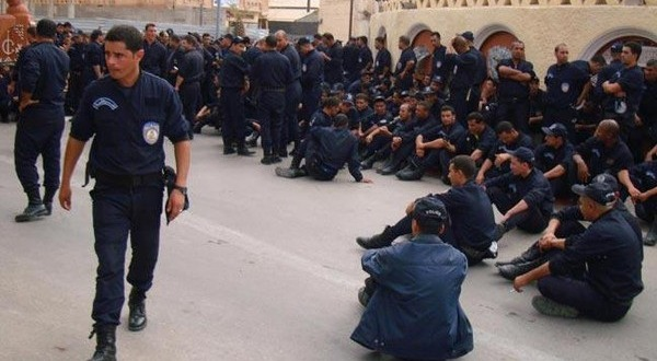 مقتل متظاهرين اثنين في مواجهات عنيفة بورغلة الجزائرية