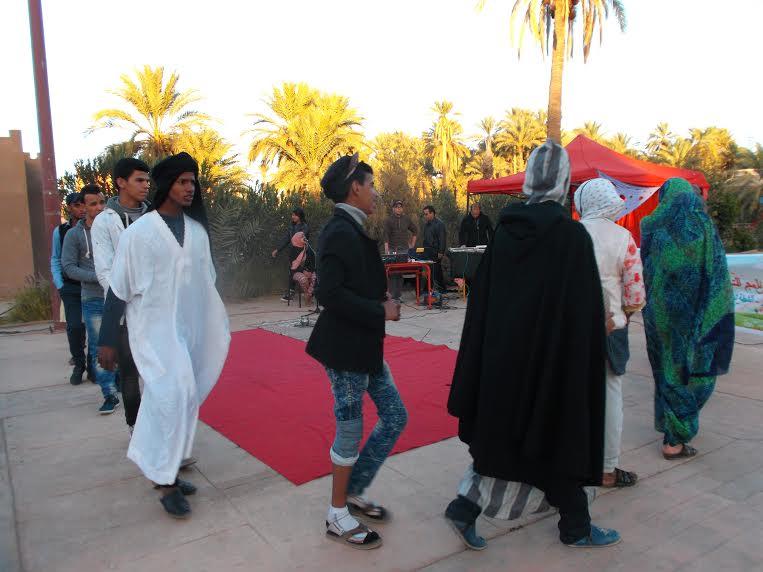 جمعية الفينيق و مسرح الحلقة بمنتزه زاكورة حول زواج القاصرات -1