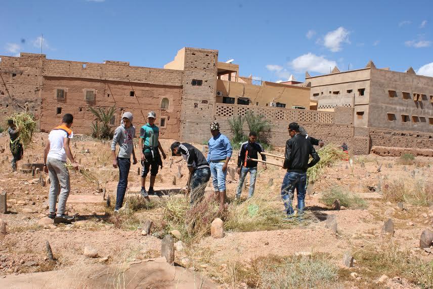 123متطوع يشاركون في تنظيف مقابر زاوية البركة-1