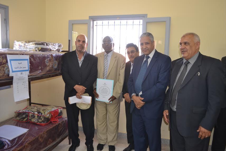 توزيع أثاث الداخليات هبة مجلس جهة سوس ماسة درعة من نيابة زاكورة