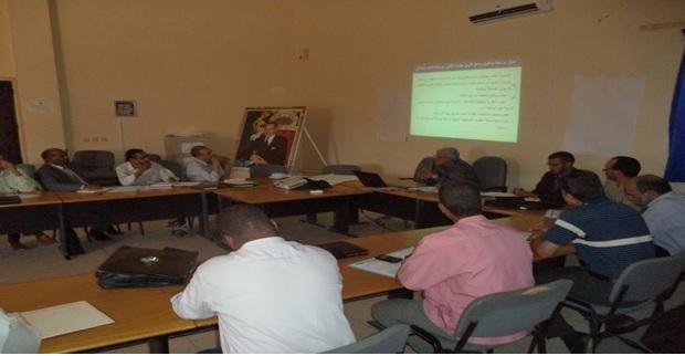 مناقشة الأرضية المعدة لتنزيل التدبير الأول من المحور الأول من التدابير ذات الأولوية على صعيد نيابة زاكورة