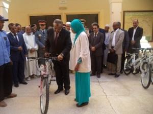 توزيع 433 دراجة هوائة لفائدة التلاميذ بنيابة زاكورة -1