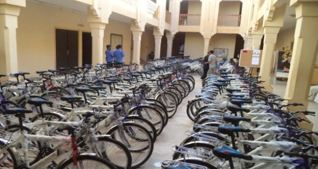 توزيع 433 دراجة هوائة لفائدة التلاميذ بنيابة زاكورة