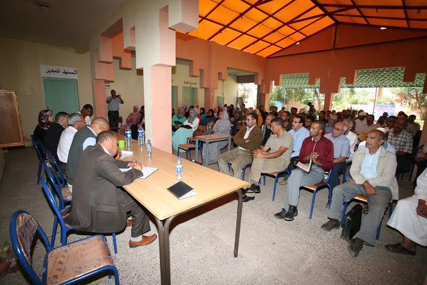 ثانوية عبد الرحيم بوعبيد بورزازات تنظم لقاءا تواصليا بين أطقم المؤسسة والأمهات و الآباء