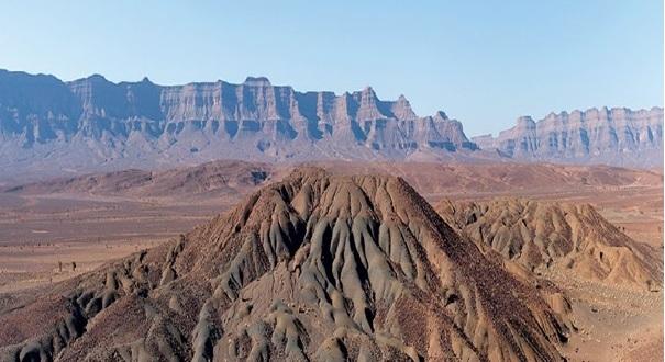 زاكورة تستقبل باحثين جيولوجين مغاربة وأجانب حول الثراث الجيولوجي