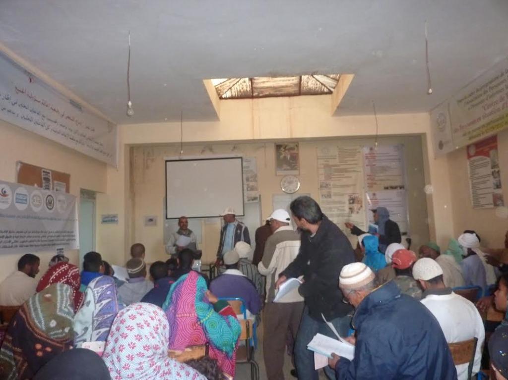 لقاء تواصلي بخصوص صندوق التماسك الاجتماعي بمقر جمعية الأشخاص المعاقين  بزاكورة