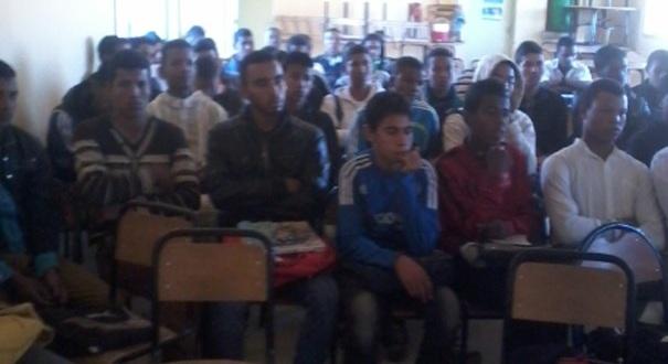 نادي حقوق الإنسان و المواطنة تانوية اولاد يحيى الكراير)&