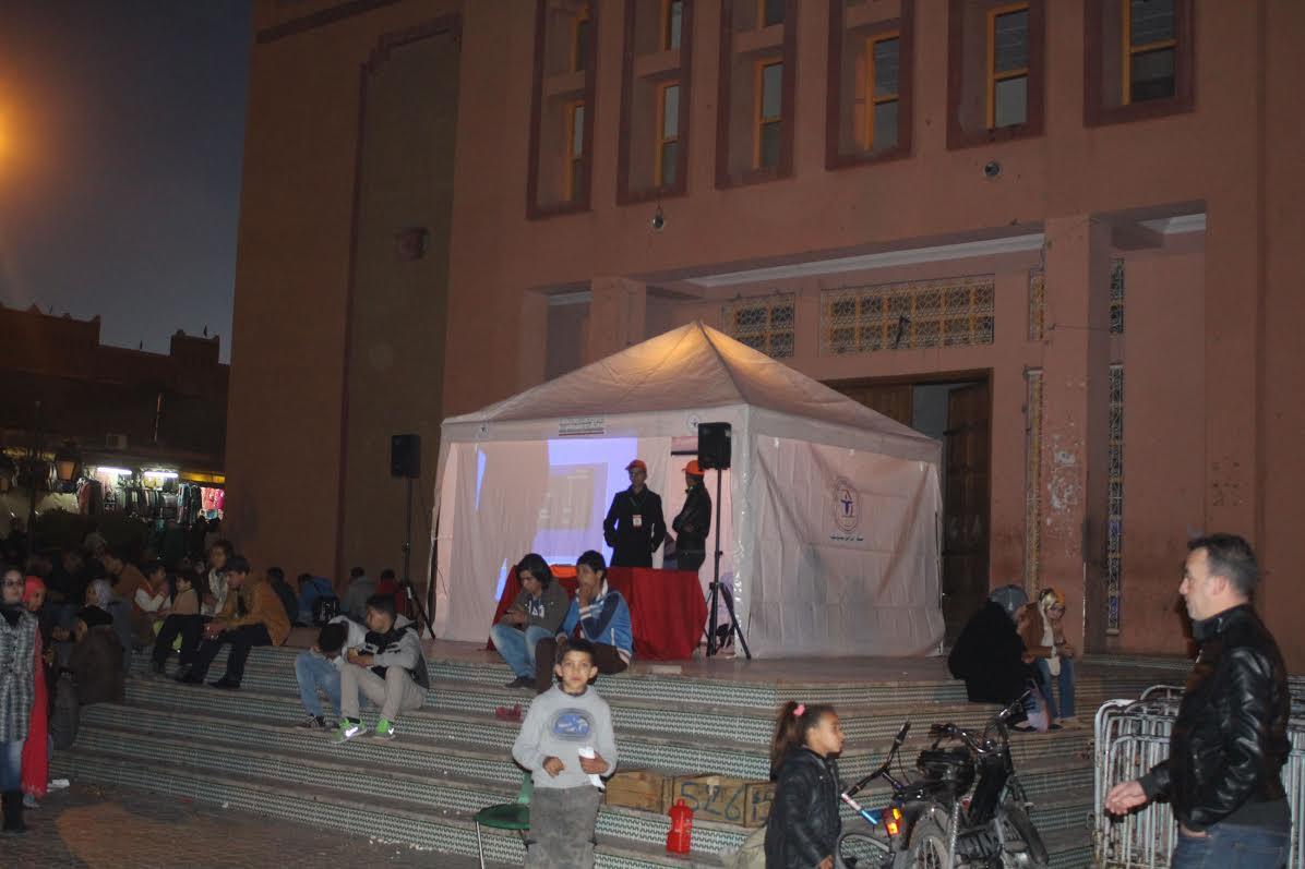الشهاب تواصل حملاتها التحسيسية حول أضرار السيجارة و تبدع في نصب خيمة تحسيسية بساحة الموحدين -1