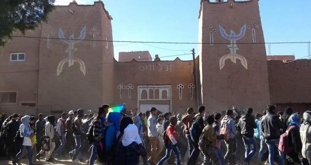 رأس السنة الأمازيغية 2966 يخرج تلاميذ ألنيف بإقليم تنغير في مظاهرة حاشدة