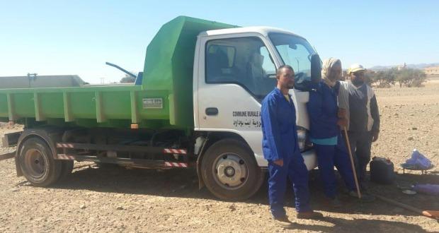 زاكورة: إنطلاق عمل فريق مصلحة النظافة بجماعة ايت بوداود