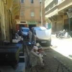 سكان مدينة زاكورة يعيشون العذاب وسط الضجيج والتلوث داخل أحيائهم السكنية