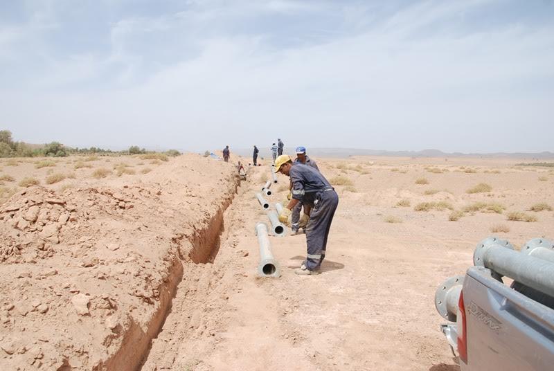 أشغال مكثفة من أجل الإسراع لتجهيز بئر بالماء الشروب بمدينة زاكورة-3