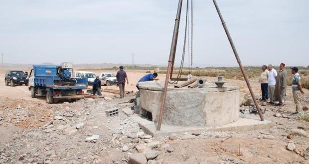 أشغال مكثفة من أجل الإسراع لتجهيز بئر بالماء الشروب بمدينة زاكورة-4