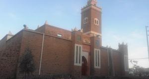 مسجد أكدز المركزي: شقوق وتصدعات تهدد حياة المصلين