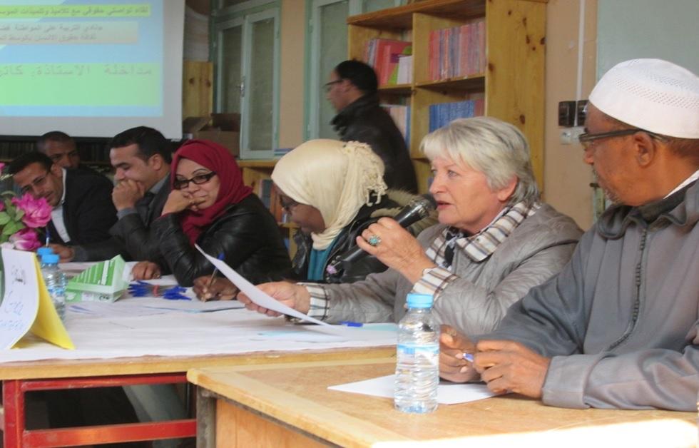 عن لقاء تواصلي حقوقي بالثانوية لفائدة المتعلمات عن ظاهرة زواج القاصرات  وعلاقته بالهدر المدرسي -1