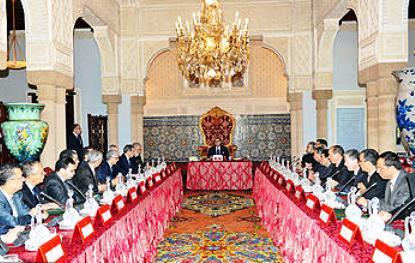 جلالة الملك يترأس أول اجتماع وزاري للحكومة الجديدة