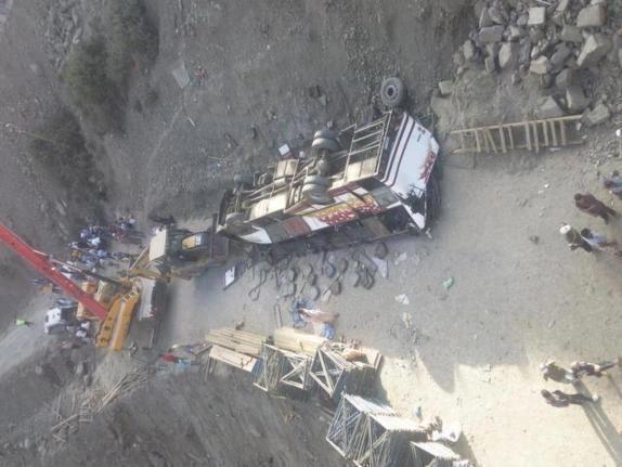حادثة سير لحافلة قادمة من زاكورة تودي بحياة 42 شخصا