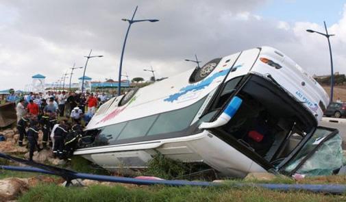 وزارة رباح تشدد المراقبة الطرقية على حافلات النقل العمومي لتجنب فاجعة تيشكا ثانية