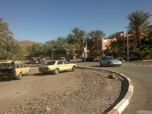 المستشفى العسكري الميداني يكشف عمق المعاناة الصحية لأهل زاكورة