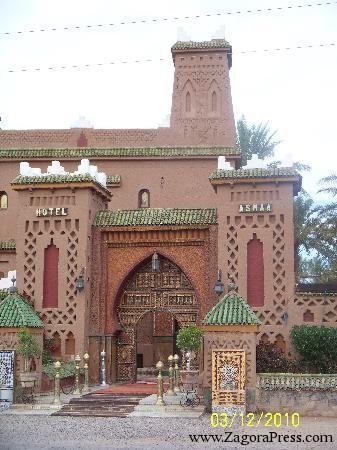 ساكنة أمرزو تشكو صاحب فندق قصر أسماء للمسؤولين بعد تمريره لأنابيت الصرف الصحي في ساقية تكمادارت