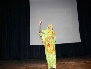 """والدة """"رقية العبدلاوي"""" تتهم مسؤولي مستشفى زاكورة بـ""""قتل"""" ابنتها"""