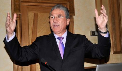 وزير الصحة يوقف طبيبين في مدينة سطات