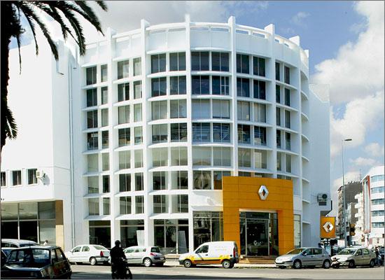 """مجموعة """"رونو"""" تسجل ما يقارب 8ر37 في المائة من مبيعات السيارات بالسوق المغربية"""