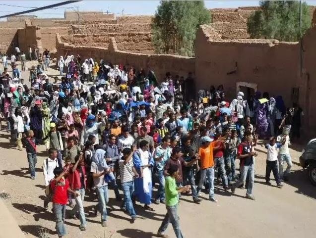 مسيرة احتجاجية لتلاميذ التعليم الثانوي بالمحاميد الغزلان