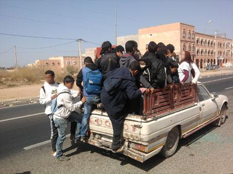 توقف النقل المدرسي ينذر بنتائج كارثية لأزيد من 140 تلميذ بامحاميد الغزلان