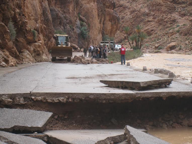 925 مليون درهم كتقديرات أولية للطرق المتضررة من الفيضانات