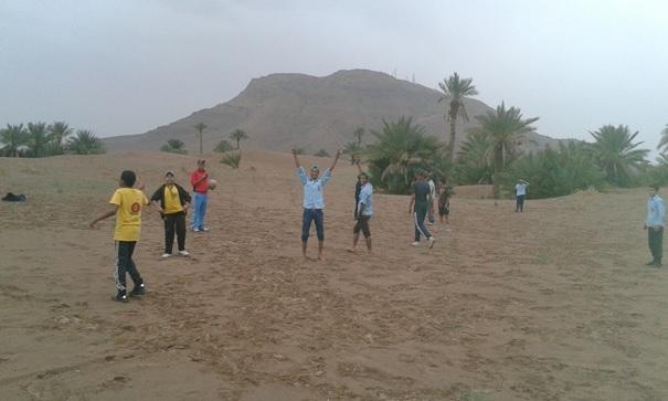 """""""الكشاف محب للطبيعة"""" شعار خرجة كشفية من تنظم كشافة المغرب فرع زاكورة"""
