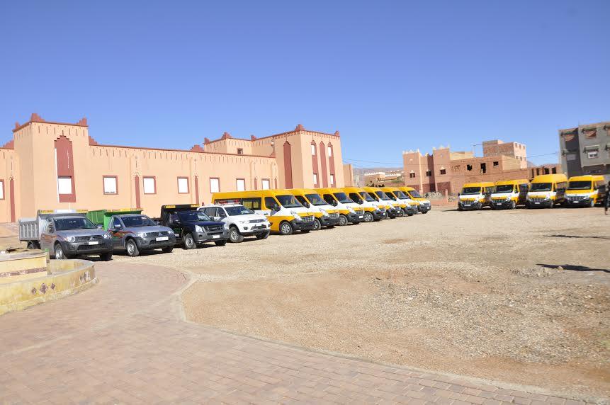 إقليم تنغير:احتفال بذكرى المسيرة الخضراء وتعزيز الإقليم  ب12 سيارة للنقل المدرسي