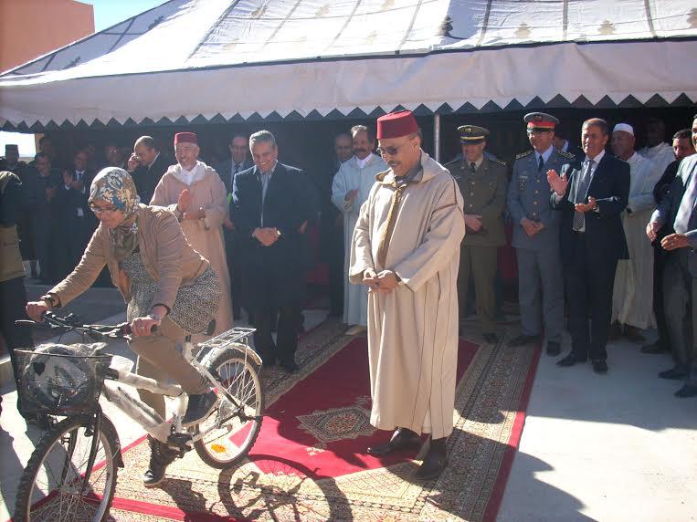 ورزازات: توزيع دراجات هوائية على التلاميذ 'خطوة أخرى للحد من الهدر المدرسي