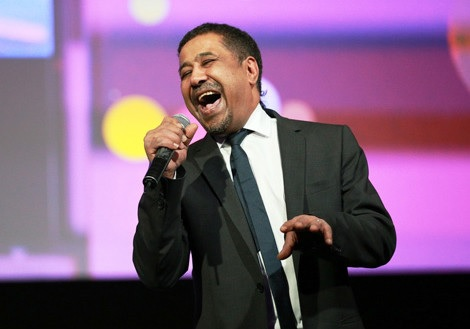 الشاب خالد يغني مجانا في المغرب.. وبالملايير في الجزائر