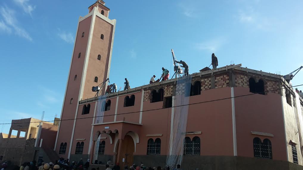 عمل جماعي لإتمام بناء مسجد بتغبالت