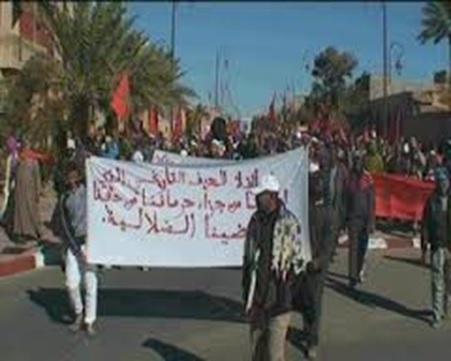 700 مواطن بزاوية البركة بزاكورة يستنكرون الحملة المغرضة ضد رئيس وداديتهم